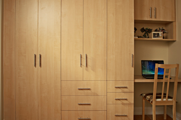 Hardrock Maple wardrobe and desk in teen's room ...